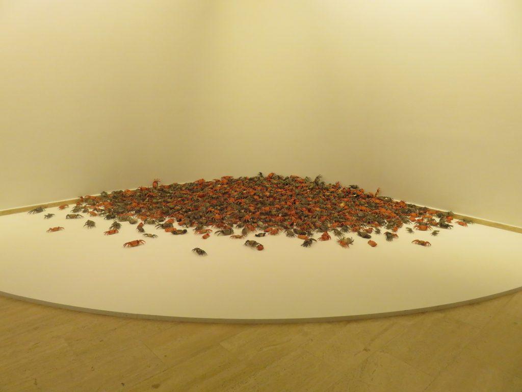 Weiwei - 1200 adet porselenden oluşan Nehir Yengeçleri Şöleni